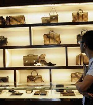 Kering Louis Vuitton Bernard Arnault