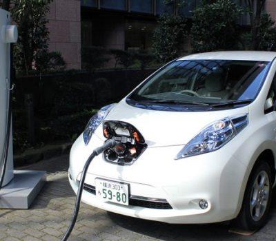 L'Etat veut multiplier par cinq le nombre de voitures électriques d'ici 2022